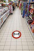 Zabezpieczanie grafik podłogowych laminatem z certyfikatem antypoślizgowym