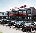 Black Red White w trakcie przetargu na dom mediowy