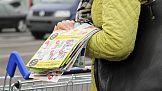 Gazetki wciąż popularne. To nie dyskonty i hipermarkety wydają ich najwięcej