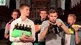 Firma O-I promuje szkło z zespołem z The Bottle Boys