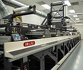 Wieloletni partner firmy Nilpeter - LUX Global Label - inwestuje w maszynę FA-17