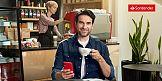 """W życiu liczy się """"być"""" czy """"mieć""""? Dorociński w kampanii Santander Bank"""