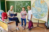 """Basia Kurdej-Szatan, Julka Cymbaluk i Szymon Radzimierski w kampanii New Balance """"Powrót do szkoły"""""""