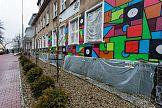 Ok. 60 wolontariuszy stworzyło nowy mural w Dąbrowie Górniczej