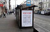 """""""Jeśli widzisz ten plakat, to znaczy, że nie mogłeś zostać w domu"""" – kampania społeczna AMS"""