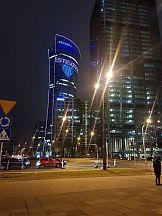 """Warsaw Spire wyświetla napis solidarności """"Pierwsze takie Święta - #jestemzsos"""
