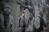 """Mural inspirowany fotografiami K. Millera na siedzibie """"Wyborczej"""""""