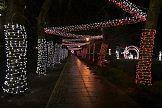 Energa Oświetlenie instaluje świątecznie dekoracje miast