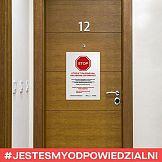 Portfolio: #jestesmyodpowiedzialni na drzwiach całej Polski