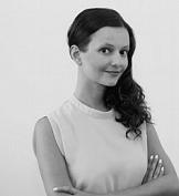 Dominika Majcher w dziale Client Service agencji OS3